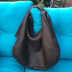 Goegeous Chocolate leather handbag with tassels